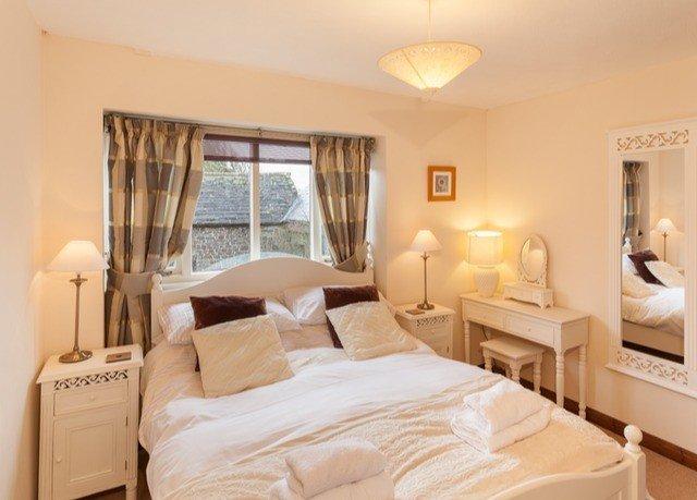 property Bedroom scene Suite cottage white