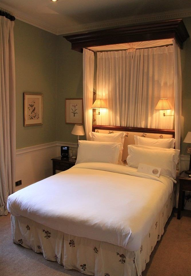 Bedroom property Suite scene cottage
