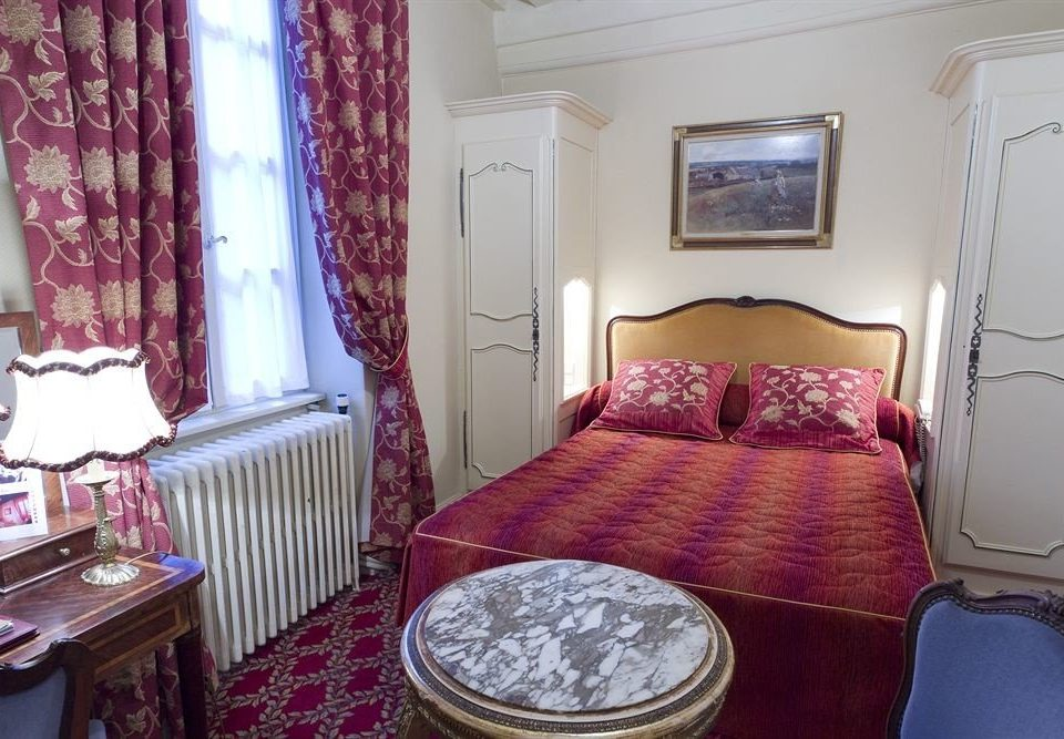 red property Bedroom Suite cottage
