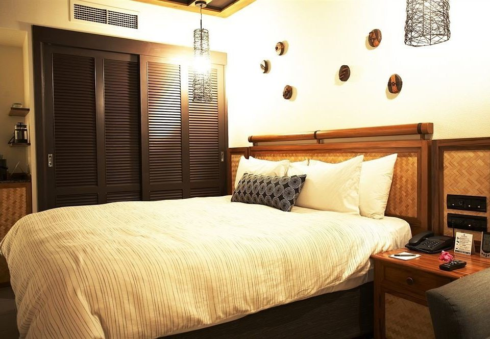 sofa property Bedroom Suite cottage tan