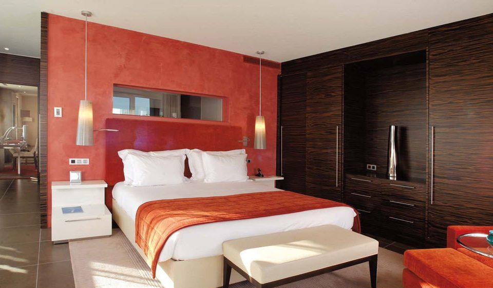 property red Suite Bedroom cottage