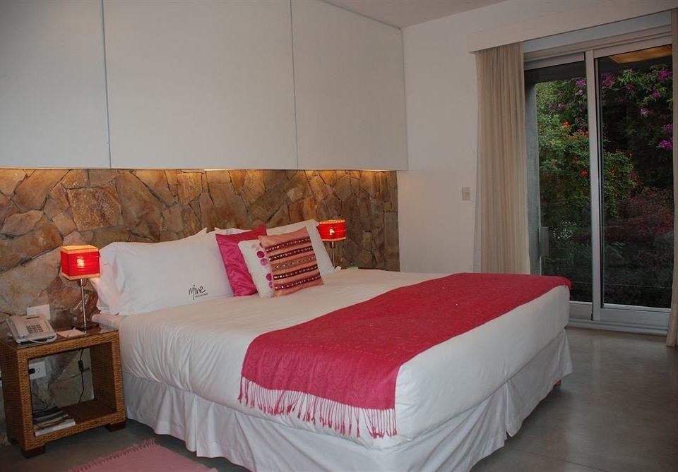 red property Bedroom cottage Suite