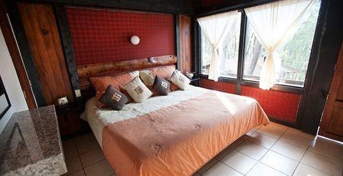 property cottage Bedroom Suite vehicle