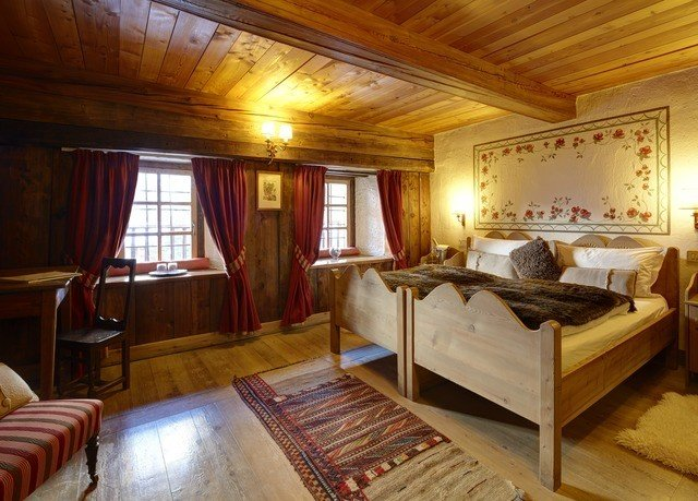property cottage Suite recreation room Bedroom