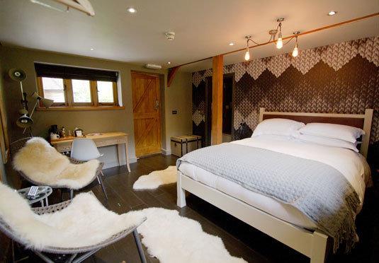 property Bedroom cottage Suite tan