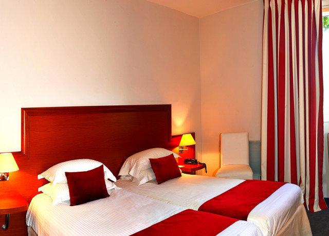 red Bedroom Suite cottage