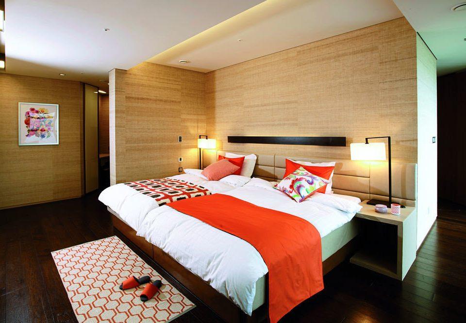 Bedroom red Suite cottage