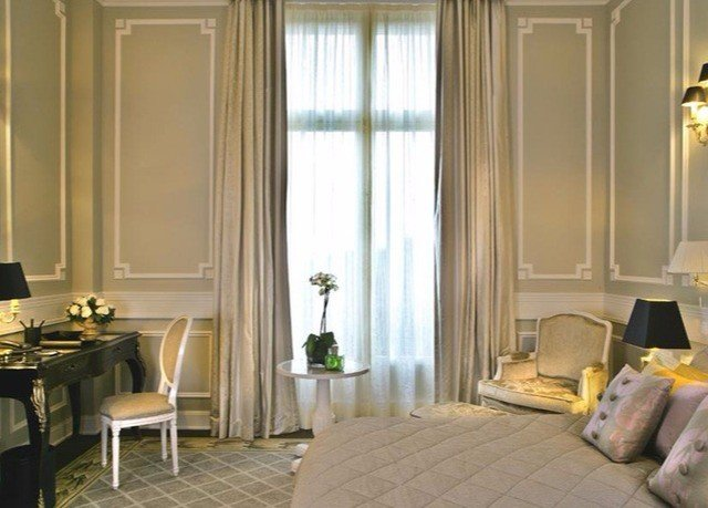 property curtain Suite living room window treatment home textile Bedroom