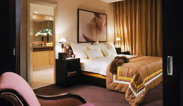 Suite Bedroom curtain interior designer