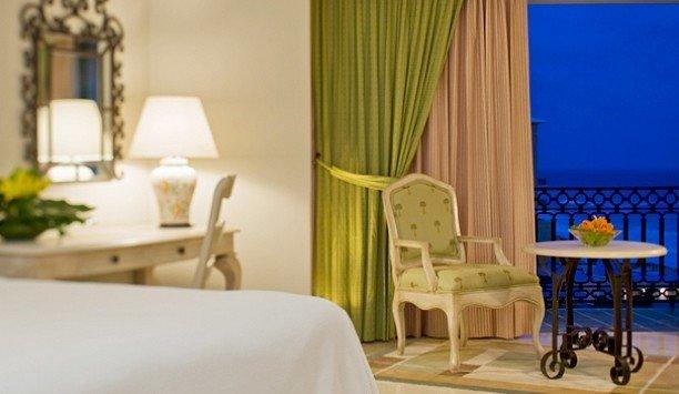 Suite curtain Bedroom window treatment interior designer