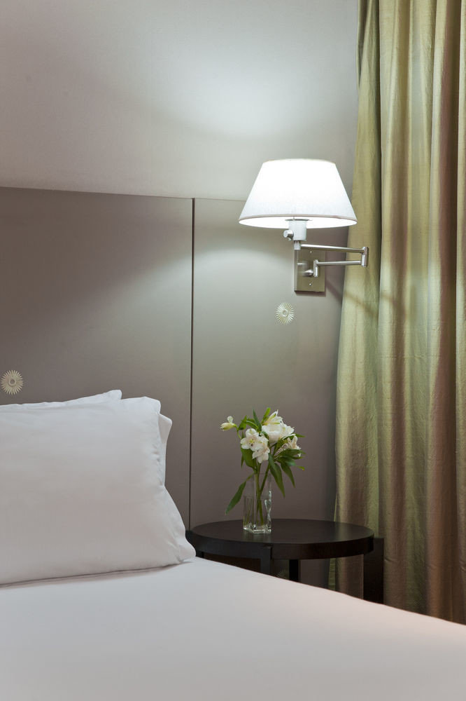 white curtain Bedroom pillow lighting Suite lamp