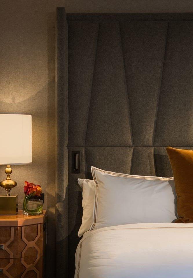 Suite Bedroom curtain pillow living room orange