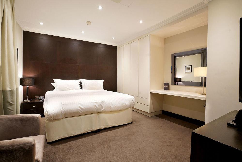property Bedroom Suite living room home flat