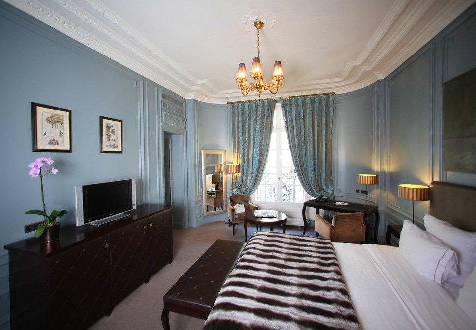 property Bedroom Suite living room mansion lamp flat