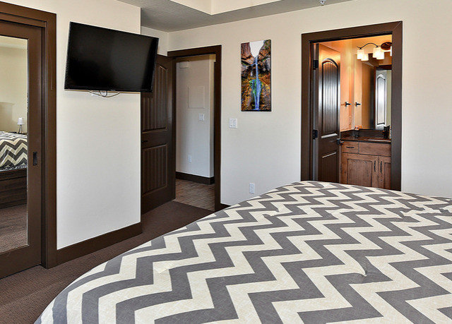 property flooring Bedroom hardwood home hall Suite wood flooring