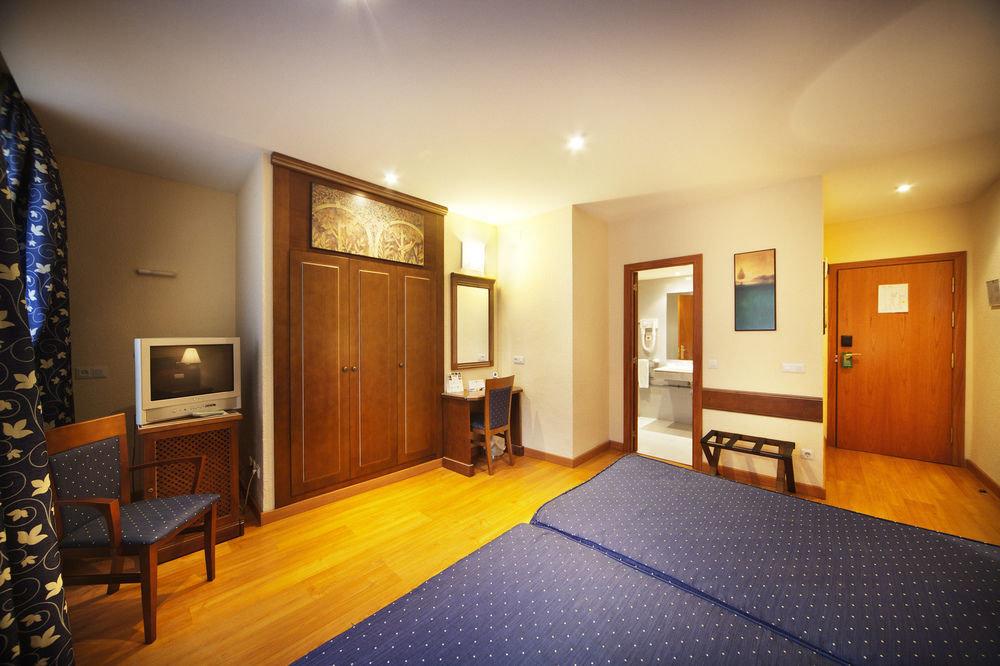property home Suite living room flooring Bedroom