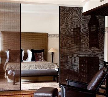 property living room hardwood Bedroom Suite
