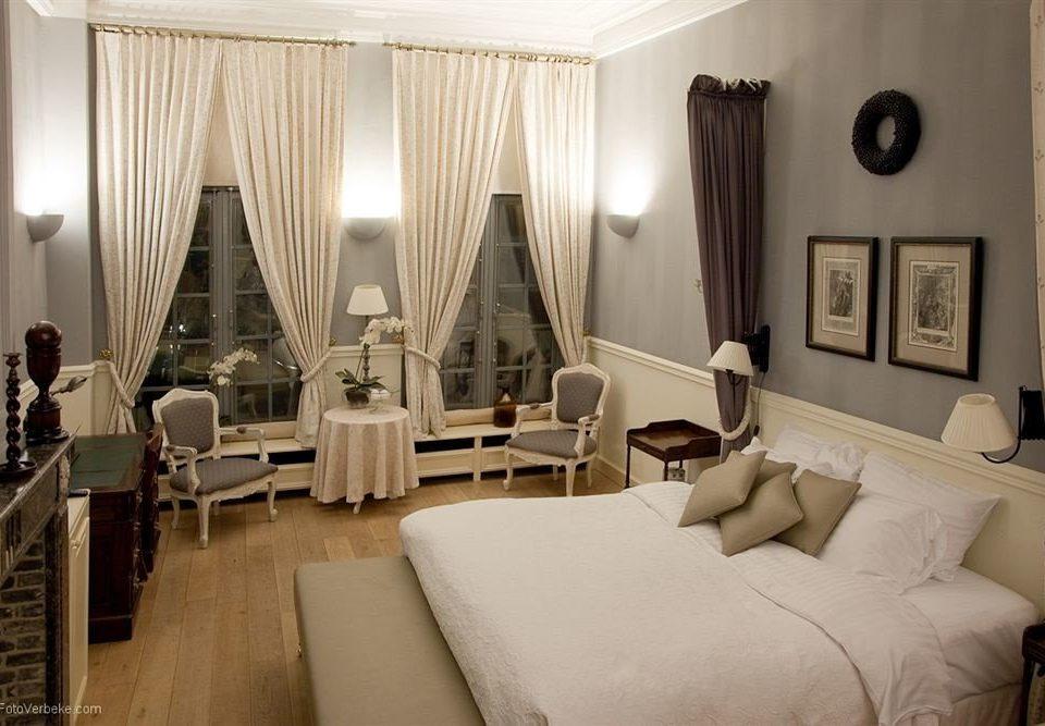 property Suite living room home mansion Bedroom