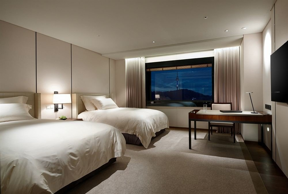 Bedroom property Suite yacht vehicle home passenger ship living room