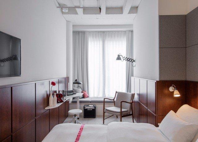 white Suite interior designer living room Bedroom