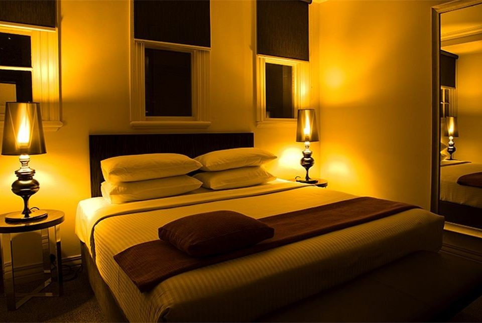 Suite Bedroom lamp night