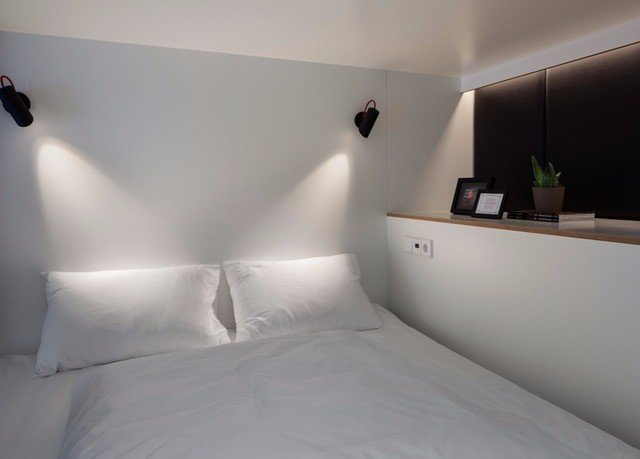 white property pillow Suite Bedroom lamp