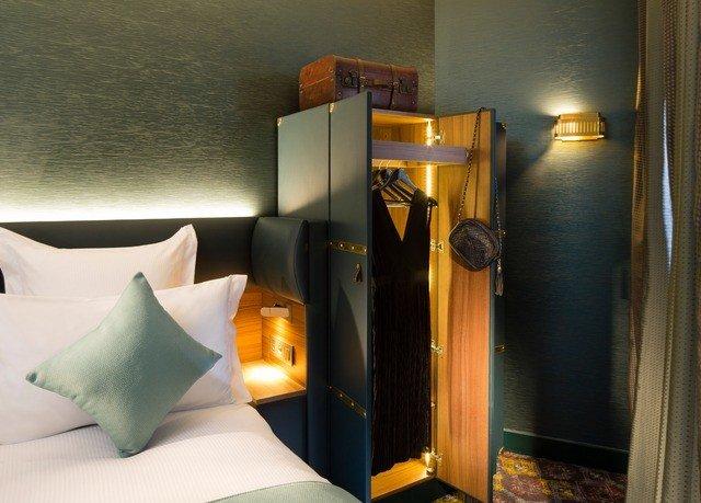 lighting Suite Bedroom