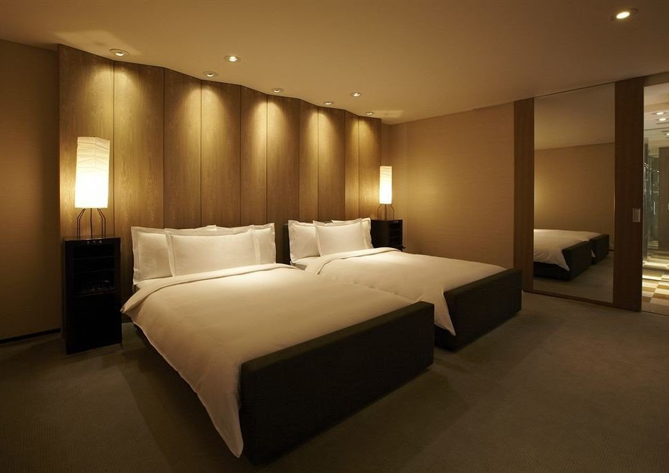 Bedroom property Suite night