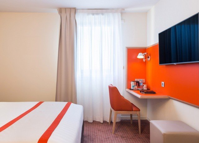 property Suite Bedroom orange
