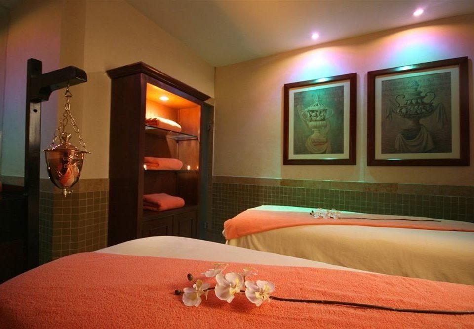 property red Suite Bedroom orange