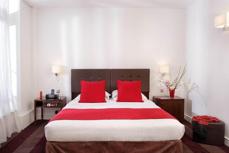 red property Suite Bedroom