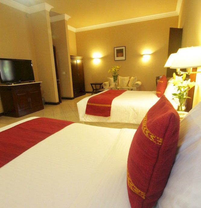 property red Suite Bedroom