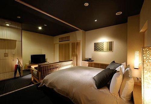 sofa property Suite Bedroom