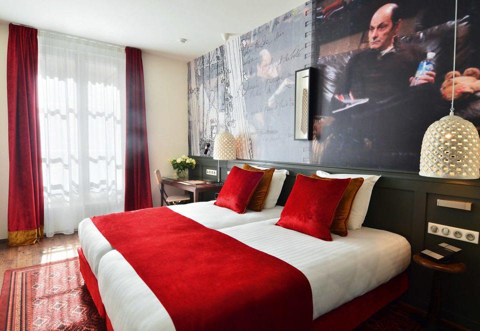 sofa red Suite Bedroom