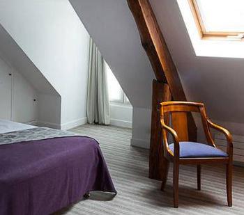 property building hardwood Suite cottage Bedroom attic loft Villa wood flooring living room