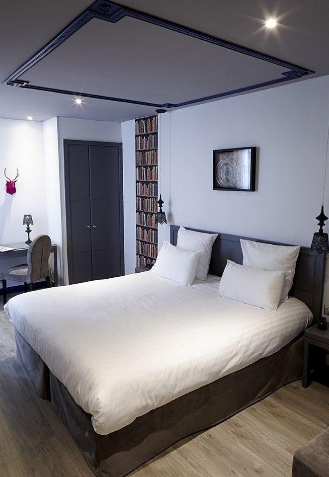 Bedroom property Suite living room bed frame home cottage Villa