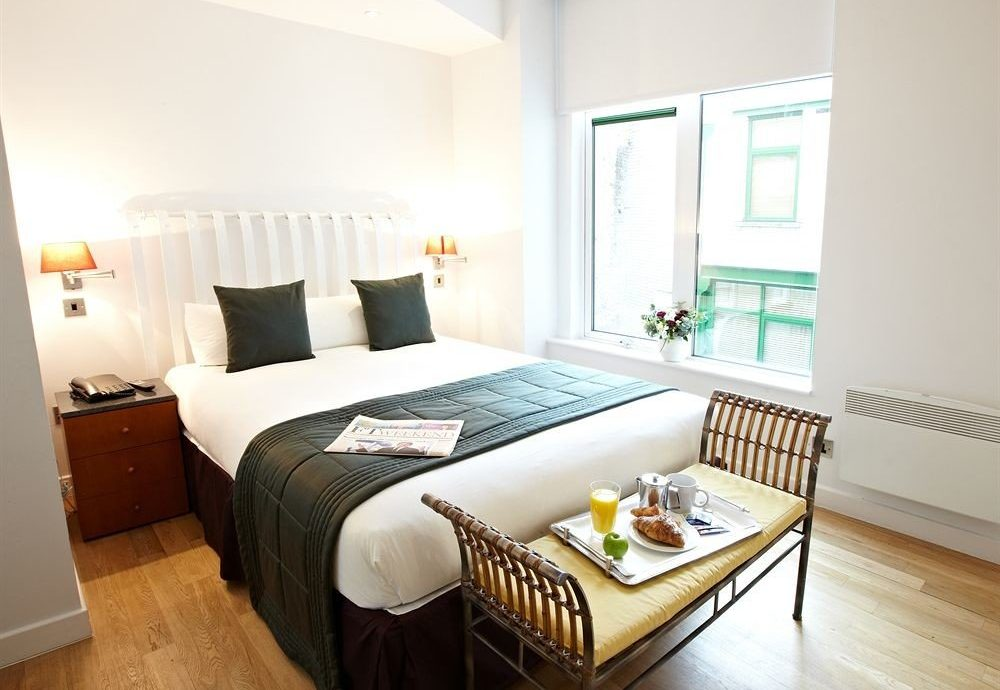 property Bedroom cottage Suite bed frame Villa