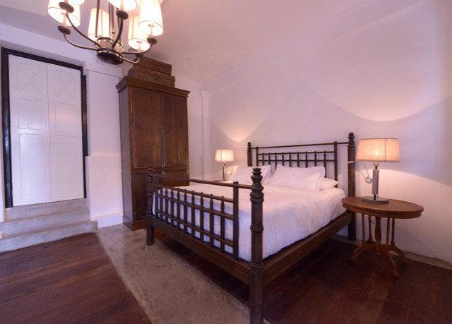 property Bedroom hardwood home cottage wood flooring Villa bed frame mansion Suite hard