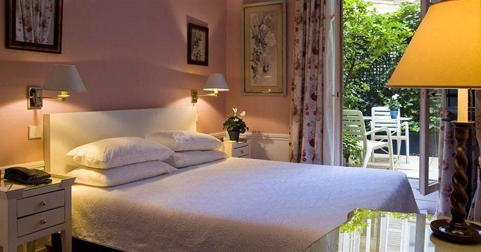 property Bedroom cottage home Villa Suite living room condominium bed sheet