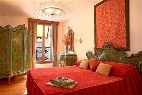 red property Bedroom Suite cottage living room home Villa bed sheet mansion bright