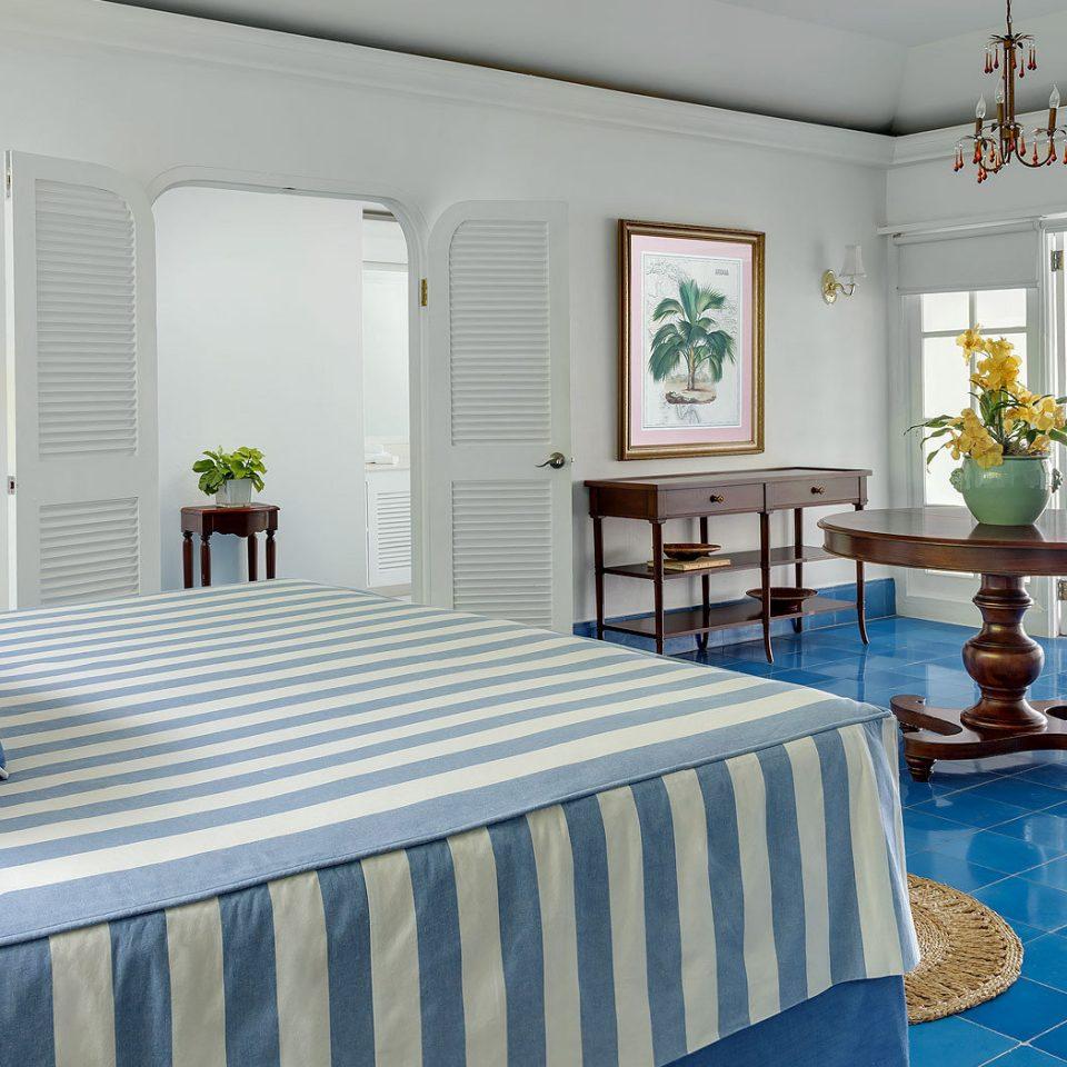 property Bedroom home cottage Suite living room Villa bed sheet