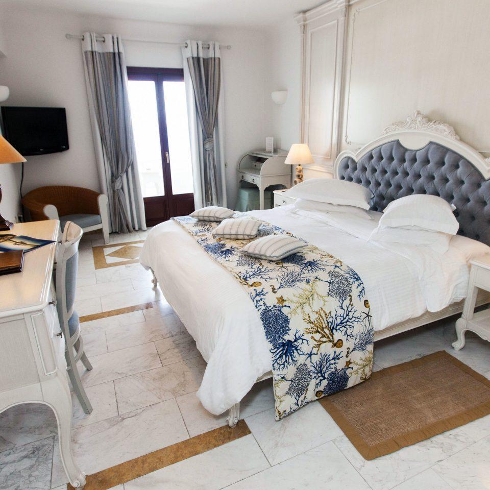 property living room Bedroom Suite home cottage bed sheet Villa