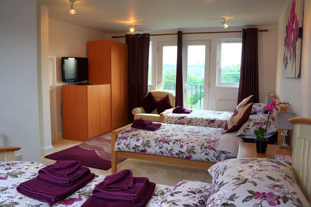 property Bedroom cottage home Suite living room pink Villa bed sheet