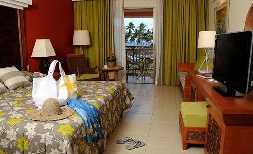 property Suite cottage home living room Bedroom Villa bed sheet
