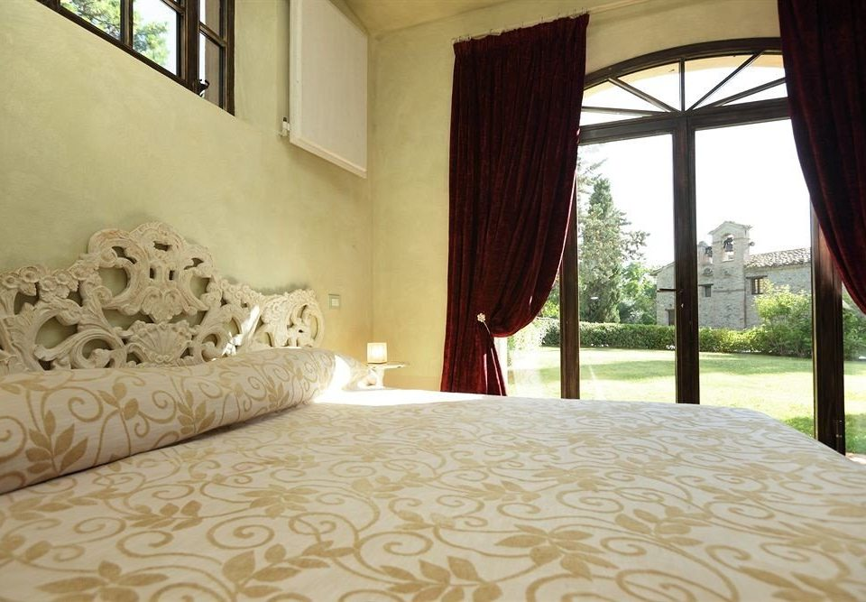 property Bedroom Villa Suite white cottage mansion bed sheet bedclothes