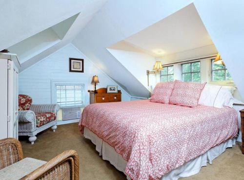 Bedroom property cottage Suite bed sheet Villa