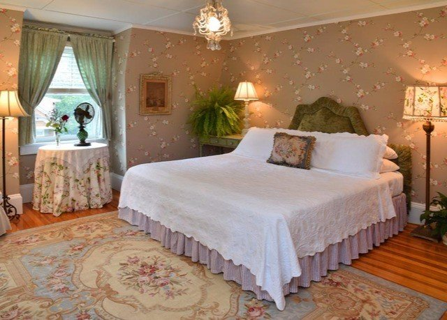 Bedroom property Suite cottage bed sheet mansion Villa