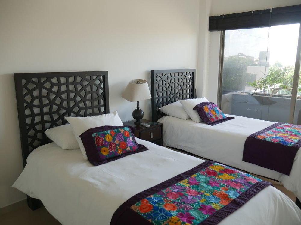 property Bedroom cottage bed sheet Suite living room Villa pillow colorful