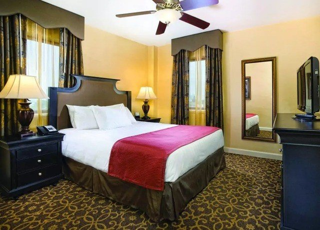 Bedroom property Suite cottage bed sheet Villa