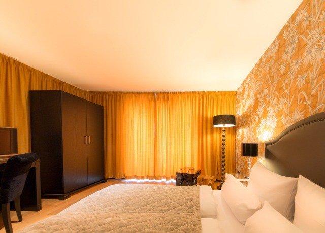 property Suite Bedroom Villa bedclothes